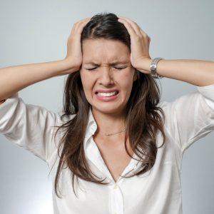 Arthrose cervicale et maux de tête : qui faut-il contacter ?